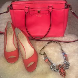 Coral KateSpade bag & VinceCamuto heels & necklace